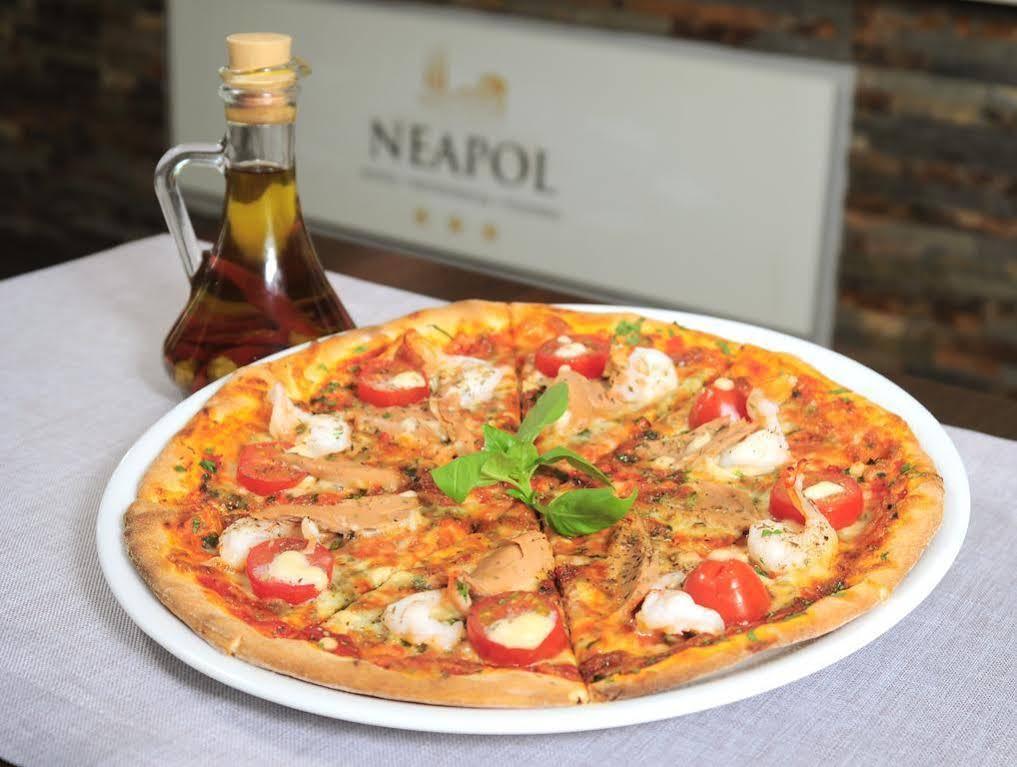 Hotel*** Restauracja Pizzeria Neapol Radoslaw Lato