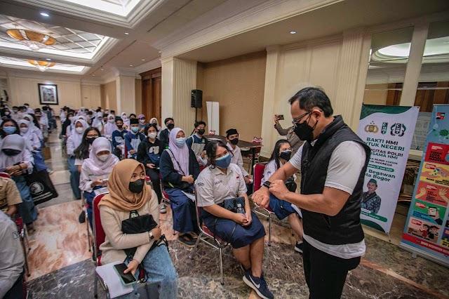 Hari Anak Nasional, 1.000 Pelajar di Kota Bogor Antusias Disuntik Vaksin