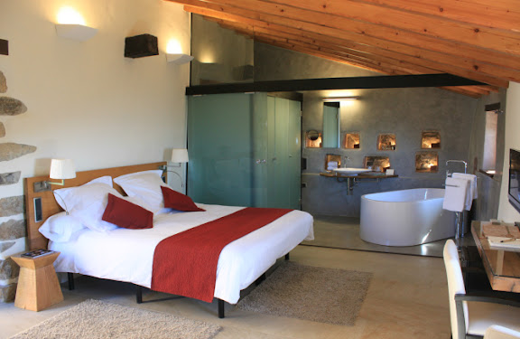 Habitació Pallissa de l'hotel Can Cuch.jpg