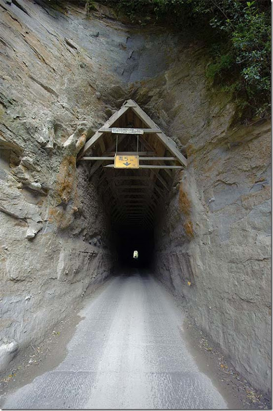 moki tunnel SH46