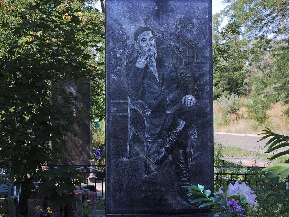 gangster-cemetery-yekaterinburg-24