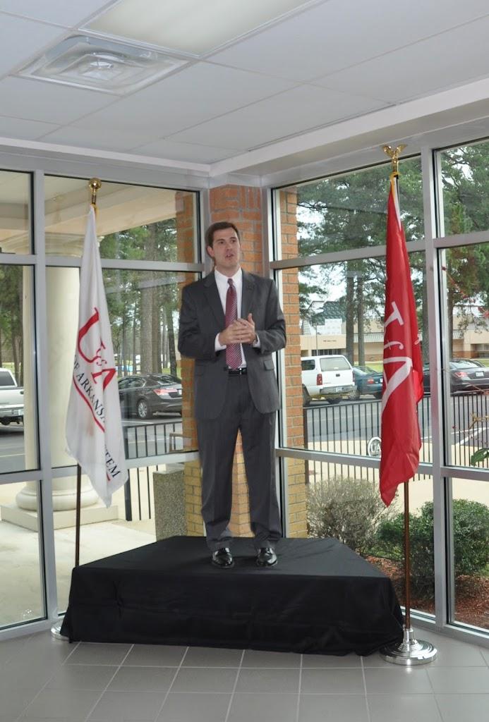 U of A System President Dr. Donald Bobbitt Visit - DSC_0317.JPG