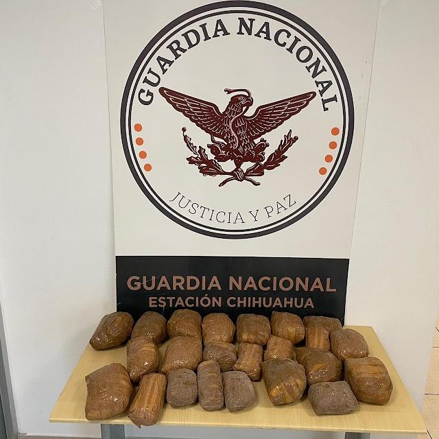 INTERCEPTAN GUARDIAS NACIONALES 19 KILOS DE  APARENTE METANFETAMINA EN AUTOBÚS DE PASAJEROS EN CHIHUAHUA