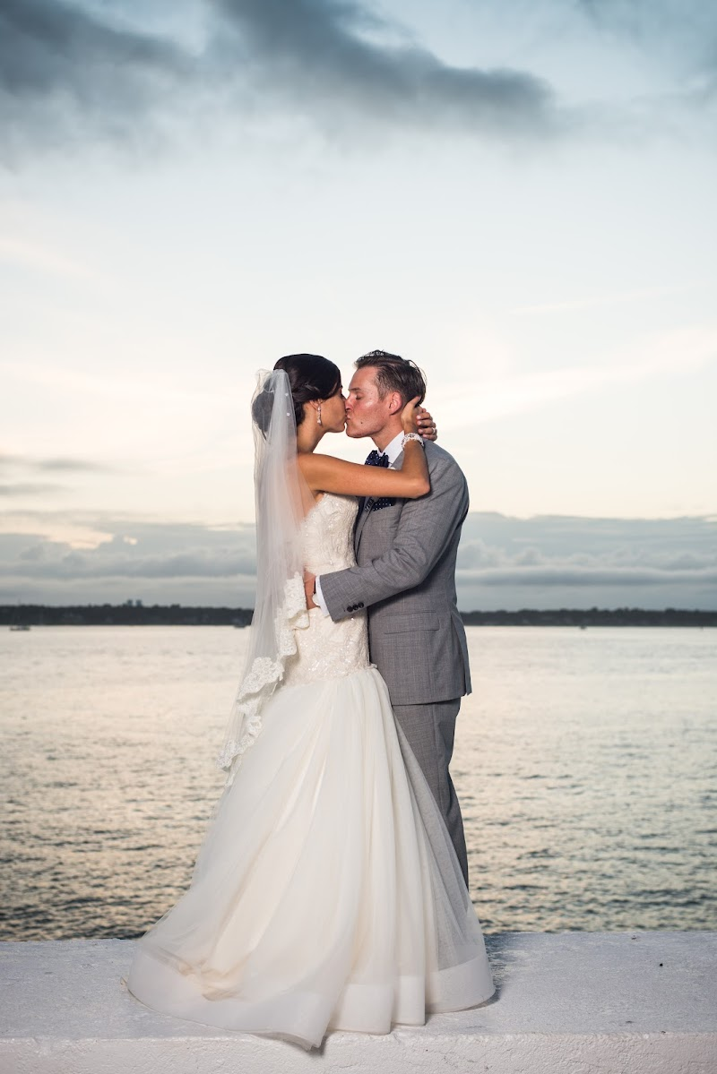 Allison and Evan - Blueflash Photography 405.jpg