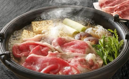 すき焼き鍋の写真