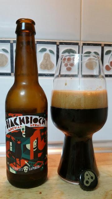 cerveza La Pirata Black Block Cervezame en los labios
