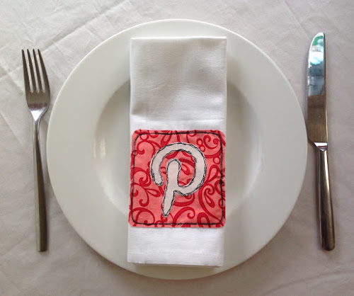 Social media napkins - Raw edge free motion embroidery - Free tutorial and download