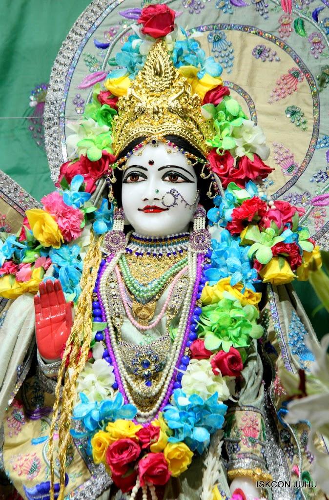 ISKCON Juhu Sringar Deity Darshan on 26th Aug 2016 (50)