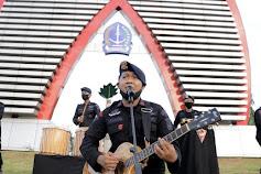 Yon C Pelopor Sampaikan Pesan Rekrutmen Polri Tanpa Uang dan Calo Lewat Lagu