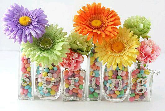 ms y ms manualidades Centros de mesa con flores y dulces Muy fcil