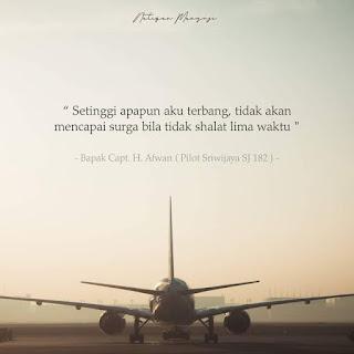 pilot pesawat sriwijaya SJ-182