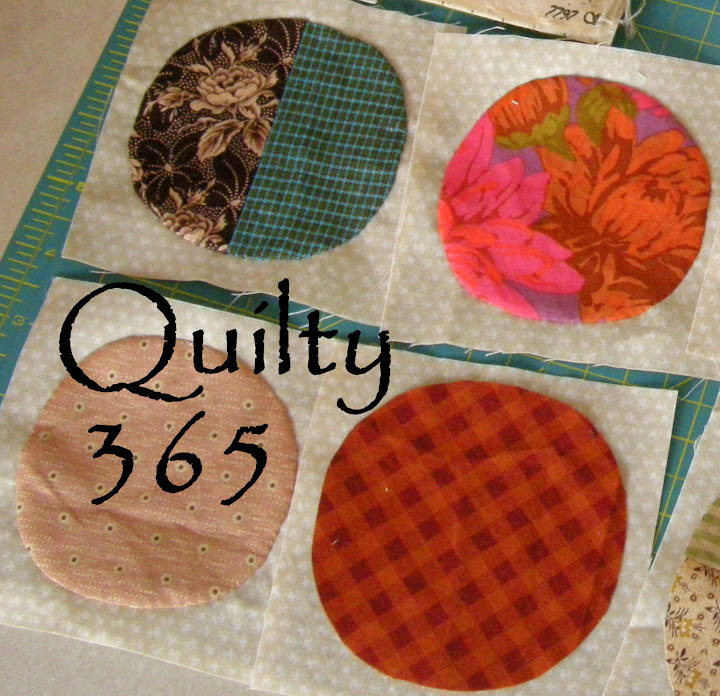 Grab button for http://quiltyfolk.blogspot.com/