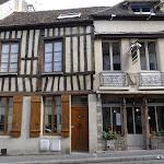 Rue de Paris : façade à colombages