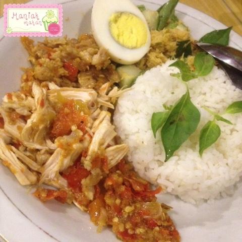 maniak-makan-kandang-pitik-solo-nasi-campur