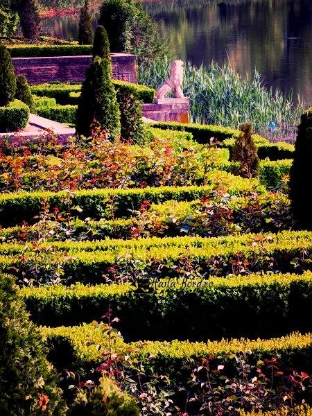 labirint mogosoaia mai 2013