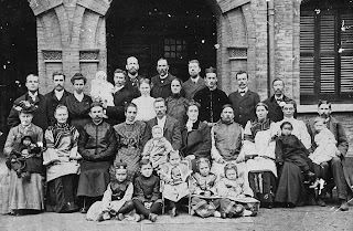 1907 Adventist Workers Meeting in Shanghai Front L2R: Mrs Selmon, Mrs & Eld Westrup, Ida Thompson, Eld & Mrs JN Anderson, Eld & Mrs Pilquist, Mrs & Eld Wilbur 2nd Row: Dr Selmon, Eld & Mrs BL Anderson, Eld & Mrs Hankins, Mrs & Eld Allum, ?, Dr Keem Law 3rd row: ?,?, Dr Miller