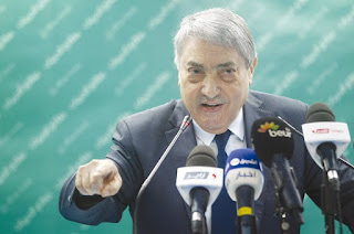 """Il accuse le pouvoir de faire de la cause de la femme un alibi: Benflis : """"La femme n'est qu'un objet de décor pour le système"""""""