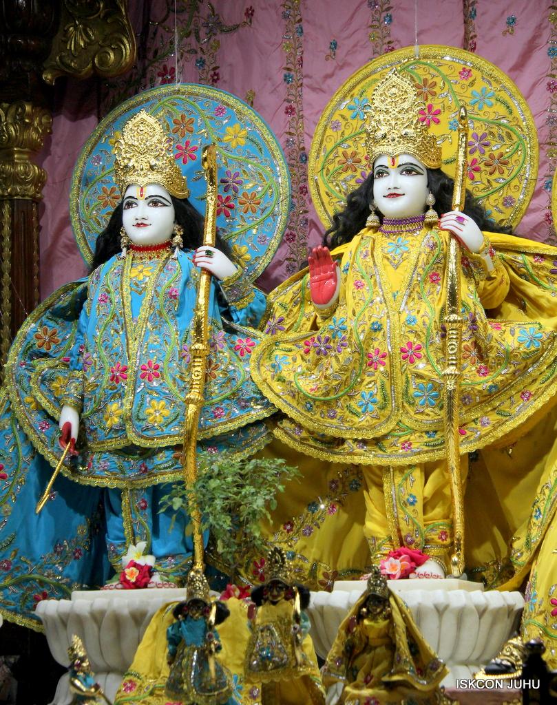 ISKCON Juhu Mangal Deity Darshan on 18th Jan 2017 (10)