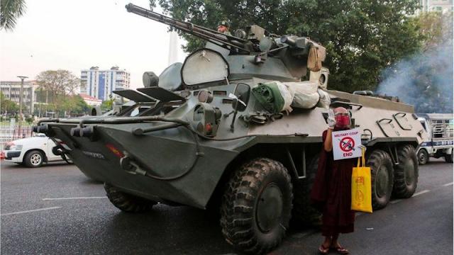 म्यान्मार कूस् सेना सडकमा, इन्टरनेट सेवा अवरुद्ध