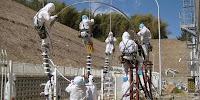 VIDEO GAMBAR ROBOT ROBOT YANG AMPUH MELAWAN RADIASU PLTN FUKUSHIMA JEPANG 2011