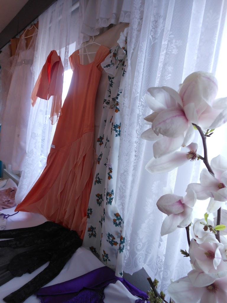 šaty p. Oškerová