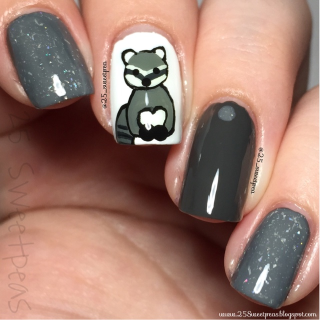 Animal Nail Art: Woodland Animals: Raccoon Nail Art