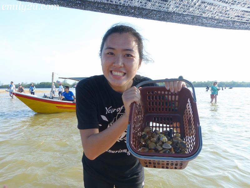 clam digging in Terengganu