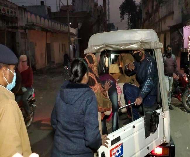 मुजफ्फरपुर रेडलाइट एरिया में छापेमारी, दो महिला समेत चार गिरफ्तार