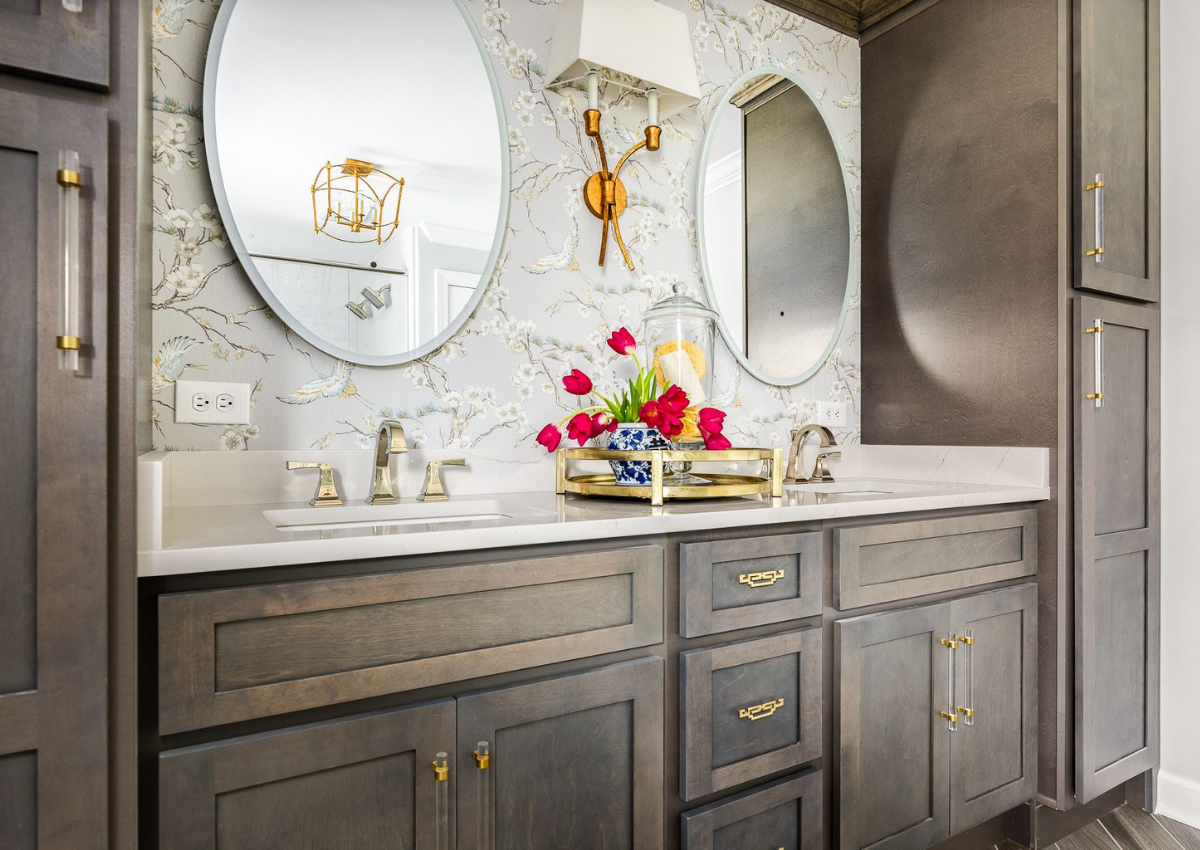 superior-construction-and-design-mt-juliet-tn-color-in-the-home-dark-wood-bathroom-gold-hardware-patterned-wallpaper