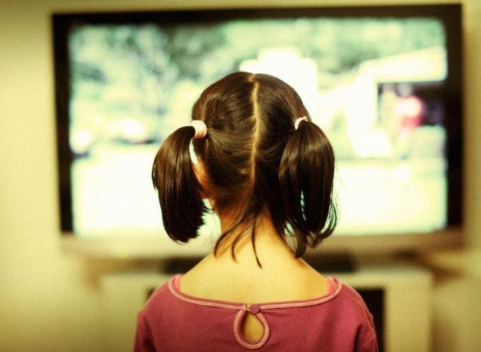 Pengaruh Buruk Tayangan TV Bagi Anak-Anak