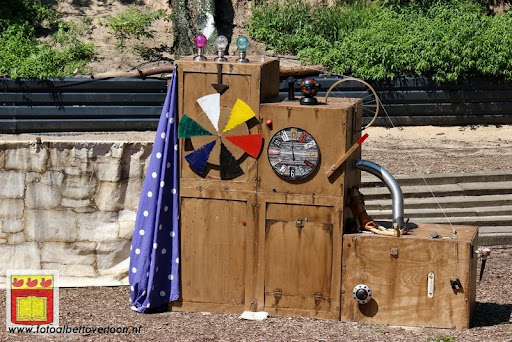 Sjluuk & Co en de geheime speelgoedmachine Openluchttheater Overloon 25-07-2012 (1).JPG