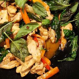Spicy Basil Chicken (Gka-Prow Gai).