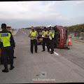 Suzuki Futura Terlibat Kecelakaan Tunggal di Tol JoMo, Empat Orang Luka Berat