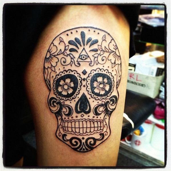 tinta_preta_açcar_tatuagem_de_caveira