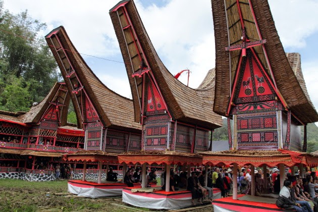Gathering at a Tana Toraja Funeral