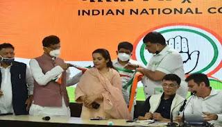 मधेपुरा/Bihar Election:शरद यादव की बेटी सुभाषिनी ने बिहारीगंज से किया नामांकन, लोगों से की जनसमर्थन की अपील