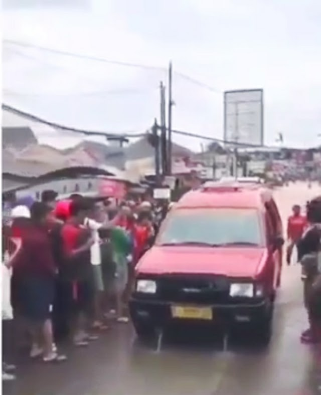 ANGKOT SUPER ANTI BANJIR