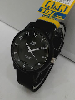 Jual jam tangan Q&Q ruber original warna hitam