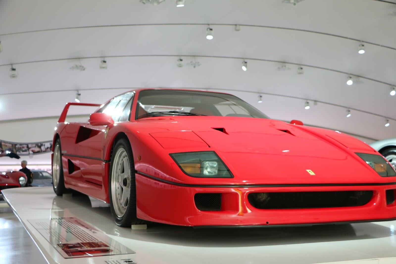 Modena - Enzo Museum 0016 - Ferrari F40.jpg