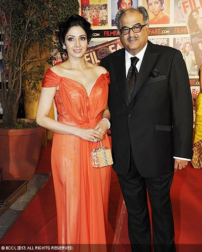 Majestic looking Sridevi with husband Boney Kapoor at the 58th Idea Filmfare Awards in Mumbai.Click here for:<br />  58th Idea Filmfare Awards