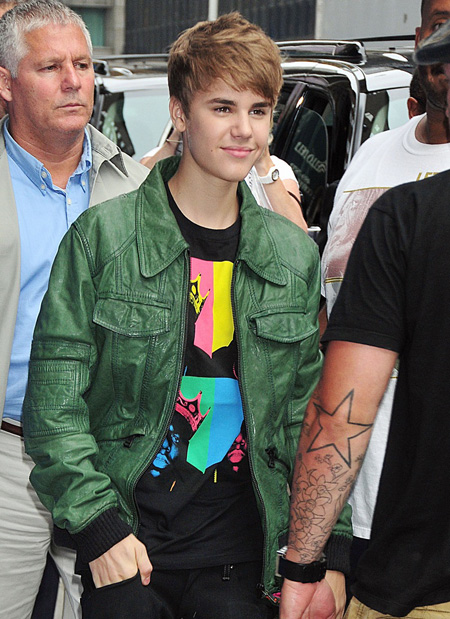Justin Bieber Does Letterman:celebrities0