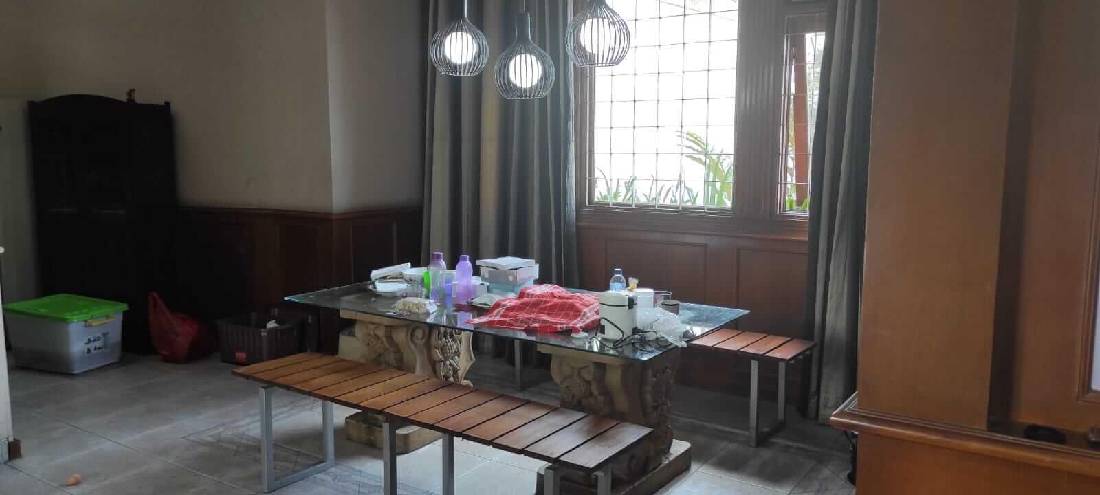 ruang makan villa andaru gerlong bandung