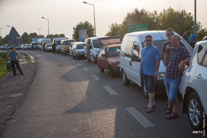Стоїмо в черзі до кордону в пункті пропуску Устилуг