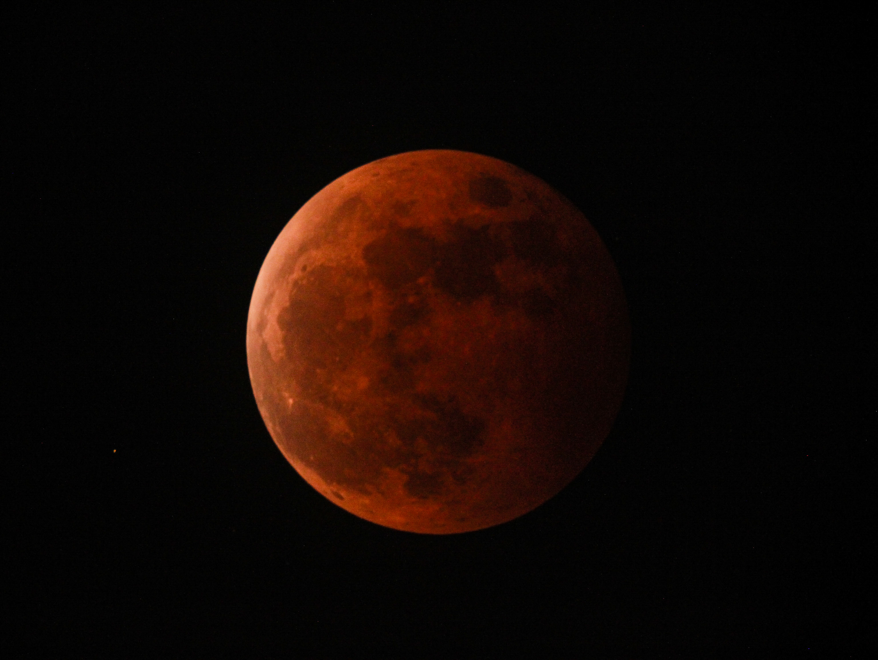 photo of the blood moon last 2014