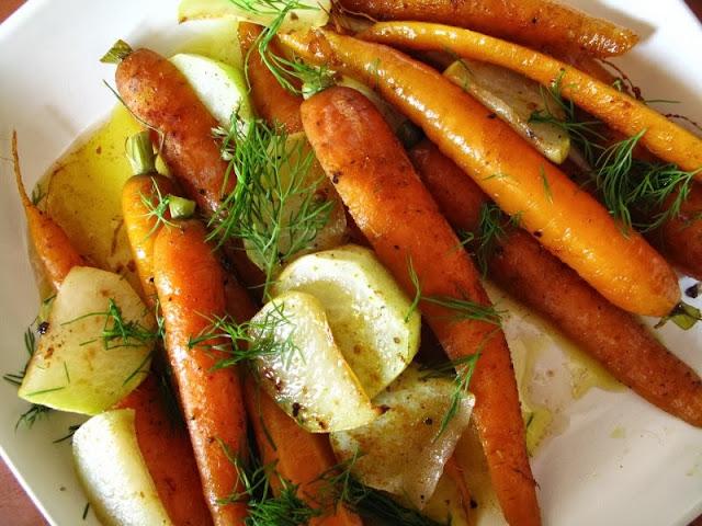 Pieczone młode warzywa