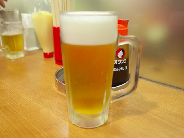 ジョッキに入れられた生ビール