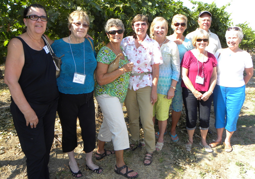 Sharon Bradway, Judy Keplinger, Judy Demand, Linda Black, Janet Hylbak, Mary Myers, Gloria Davis, Jim Demand, Carol Jean Macy