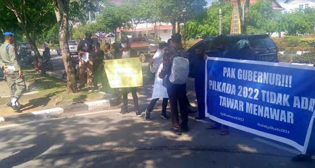 KPKA Demo Kantor Gubernur Aceh Minta Nova Kucurkan Anggaran Pilkada