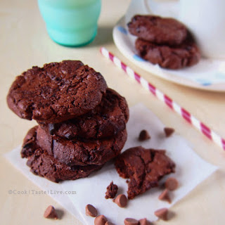 NIGELLA'S DOUBLE CHOCOLATE CHIP COOKIES