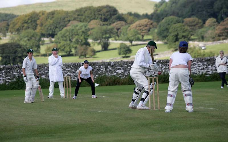 Cricket-Ladies10